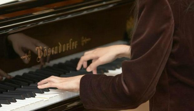 program 2 červen piano