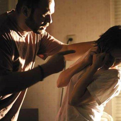 muž žena domácí násilí