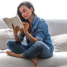 žena čte