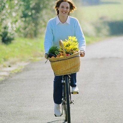 víkend 21 duben zena na kole kytky