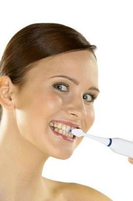 žena zuby