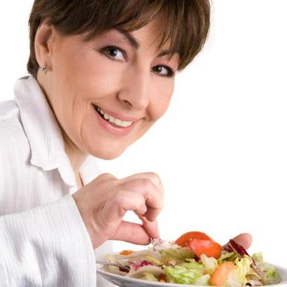 žena jídlo