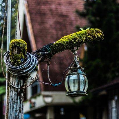 Zahrádkářská sezóna se blíží, pořiďte si zahradní osvětlení na míru