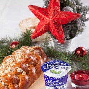 Vánočka se zakysanou smetanou.