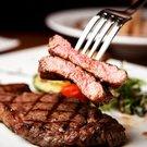Víte, jak grilovat steaky na pánvi?