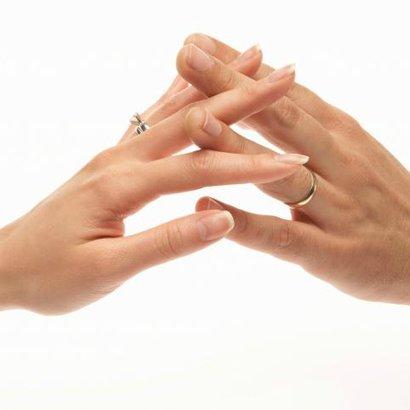 ruce držet
