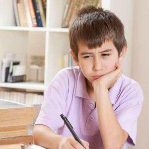 dítě píše