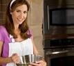 žena pečení