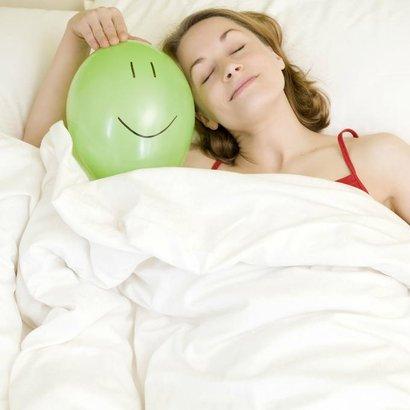 žena postel