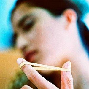 žena gumička