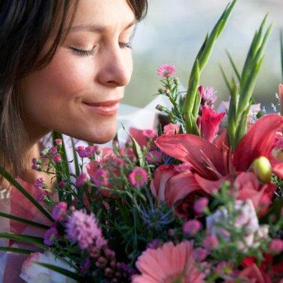 žena kytky