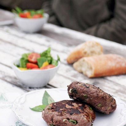 Burgery s bazalkovým hermelínem