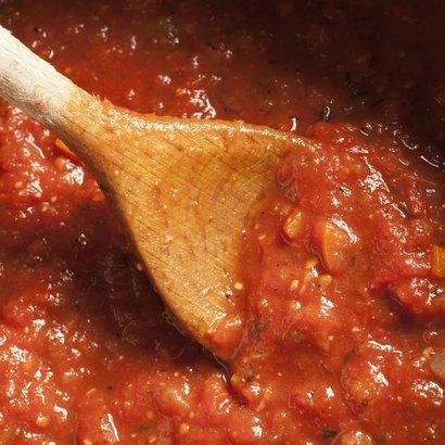Ostré rolky v rajčatové omáčce