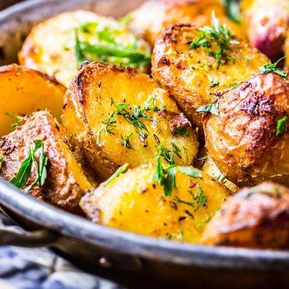 Brambory na řecký způsob: Ideální jídlo do horkých dnů
