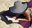 Čtení na pláži