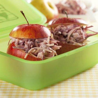 Jablíčka plněná střapatým salátem