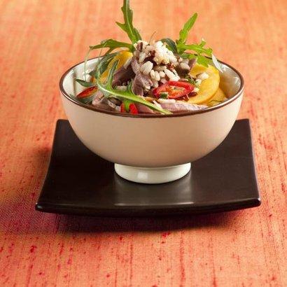 rýžový salát s hovězím masem