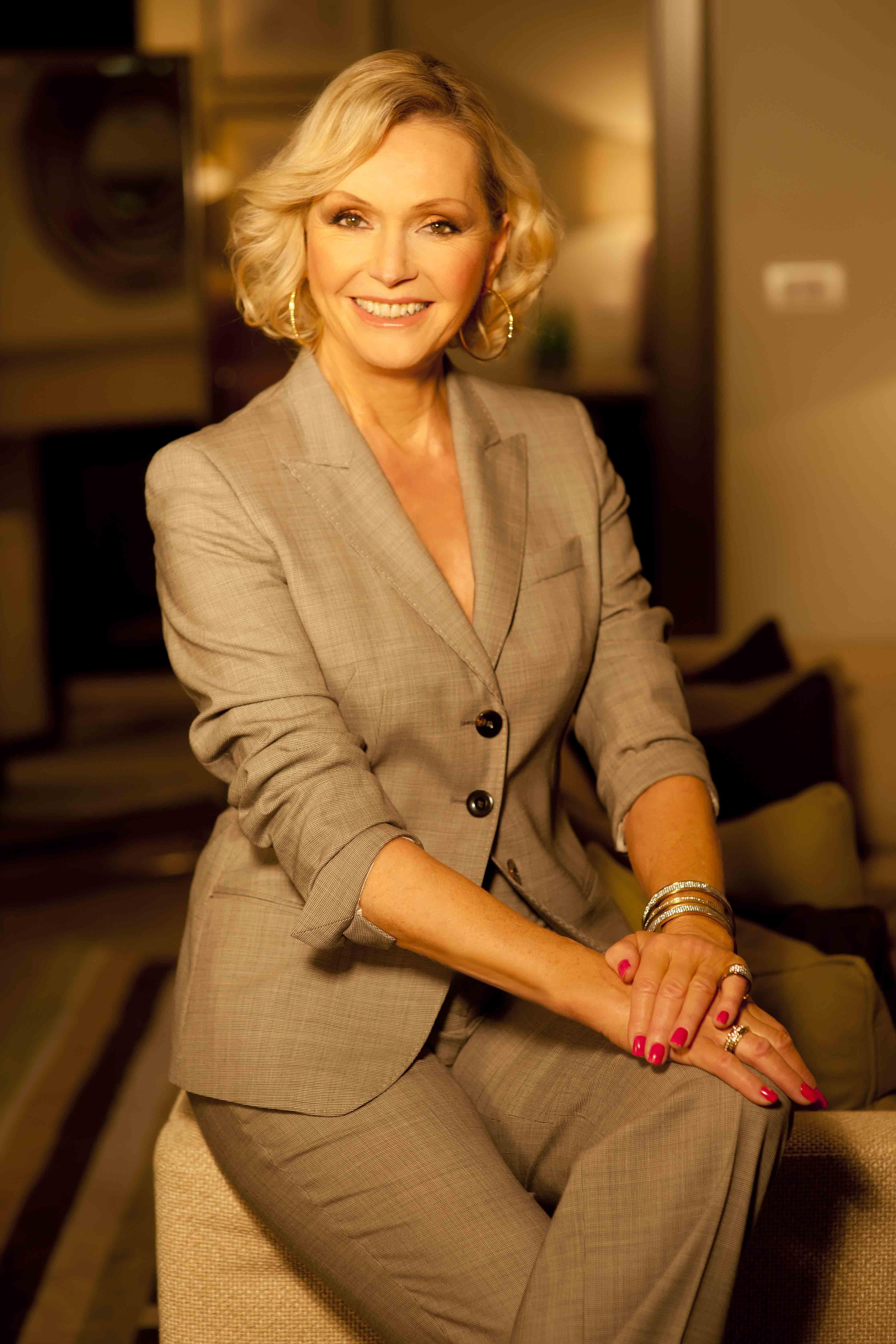 Carole Davis,Mia Sara Hot nude Francesca Inaudi,Rhea Durham USA 2 2000-2001