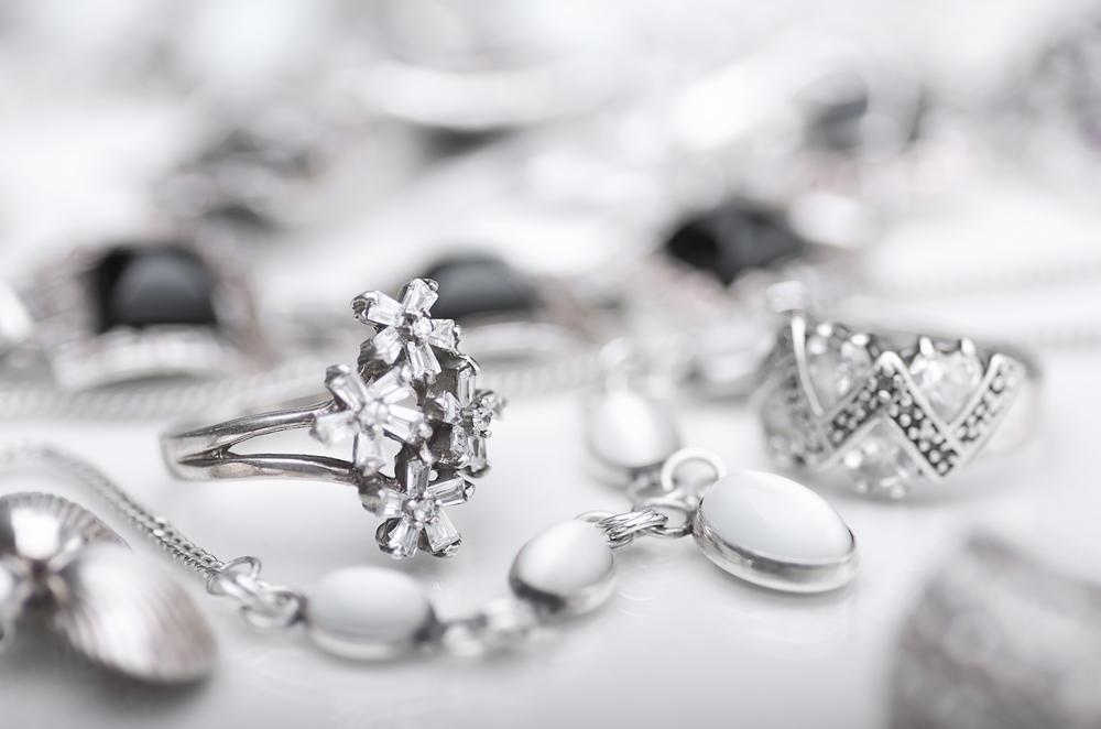 Jak vyčistit stříbrné šperky | Módní trendy pro ženy - Vlasta.cz